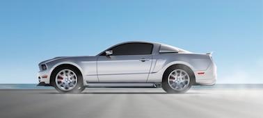 Image d'une voiture en mouvement illustrant la technologie OLED XR Motion Clarity