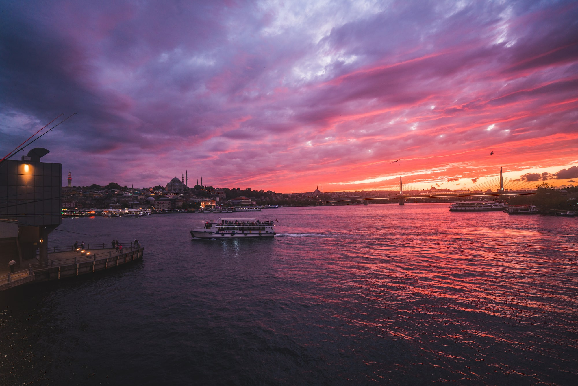 İlkin Karacan Karakus sony A7RM2 zonsondergang boven de bosporus in istanbul
